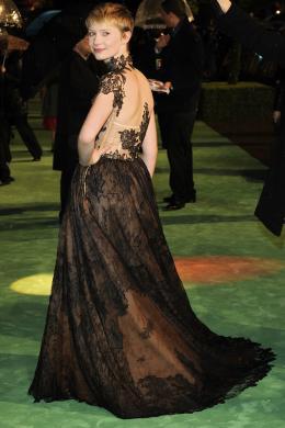 photo 241/527 - Mia Wasikowska - Avant-premi�re royale � Londres (25 f�vrier 2010) - Alice au pays des Merveilles - © Walt Disney Studios Motion Pictures France