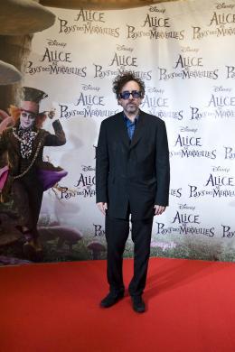 photo 486/527 - Tim Burton - Avant-premi�re � Paris (15 mars 2010) - Alice au pays des Merveilles - © Walt Disney Studios Motion Pictures France