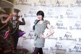 photo 514/527 - Nolwenn Leroy - Avant-premi�re � Paris (15 mars 2010) - Alice au pays des Merveilles - © Walt Disney Studios Motion Pictures France