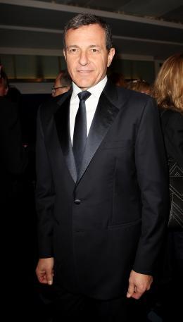 photo 125/527 - Bob Iger - Avant-premi�re royale � Londres (25 f�vrier 2010) - Alice au pays des Merveilles - © Walt Disney Studios Motion Pictures France