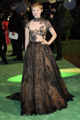 photo 259/527 - Mia Wasikowska - Avant-premi�re royale � Londres (25 f�vrier 2010) - Alice au pays des Merveilles - © Walt Disney Studios Motion Pictures France