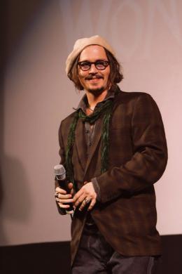 photo 452/527 - Johnny Depp - Ultimate Fan Event (25 fevrier 2010) - Alice au pays des Merveilles - © Walt Disney Studios Motion Pictures France