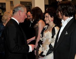 photo 337/527 - Helena Bonham Carter et Johnny Depp - Avant-premi�re royale � Londres (25 f�vrier 2010) - Alice au pays des Merveilles - © Walt Disney Studios Motion Pictures France
