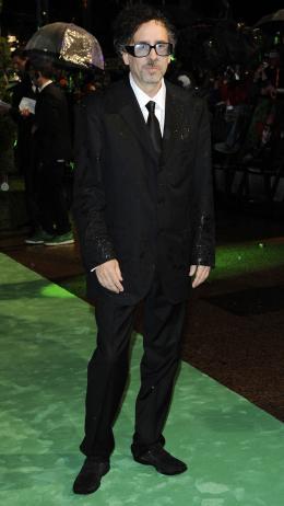 photo 302/527 - Tim Burton - Avant-premi�re royale � Londres (25 f�vrier 2010) - Alice au pays des Merveilles - © Walt Disney Studios Motion Pictures France