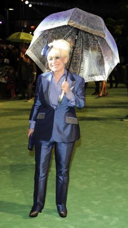 photo 279/527 - Barbara Windsor - Avant-premi�re royale � Londres (25 f�vrier 2010) - Alice au pays des Merveilles - © Walt Disney Studios Motion Pictures France