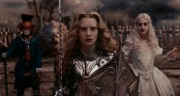 photo 20/527 - Johnny Depp, Mia Wasikowska et Anne Hathaway - Alice au pays des Merveilles - © Walt Disney Studios Motion Pictures France