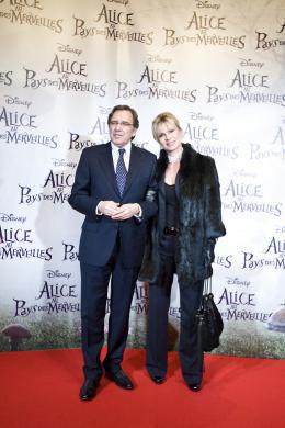 photo 472/527 - Nonce Polini & sa compagne - Avant-premi�re � Paris (15 mars 2010) - Alice au pays des Merveilles - © Walt Disney Studios Motion Pictures France