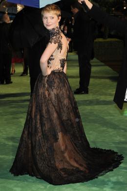 photo 256/527 - Mia Wasikowska - Avant-premi�re royale � Londres (25 f�vrier 2010) - Alice au pays des Merveilles - © Walt Disney Studios Motion Pictures France