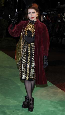 photo 284/527 - Paloma Faith - Avant-premi�re royale � Londres (25 f�vrier 2010) - Alice au pays des Merveilles - © Walt Disney Studios Motion Pictures France