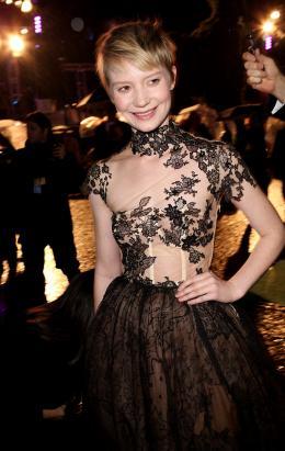 photo 116/527 - Mia Wasikowska - Avant-premi�re royale � Londres (25 f�vrier 2010) - Alice au pays des Merveilles - © Walt Disney Studios Motion Pictures France