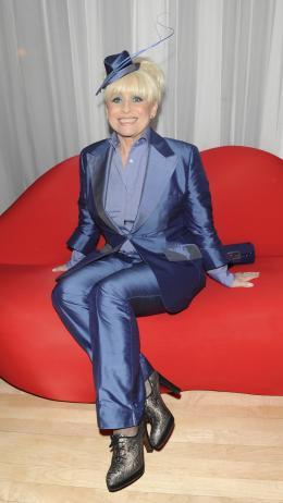 photo 186/527 - Barbara Windsor - Avant-premi�re royale � Londres (25 f�vrier 2010) - Alice au pays des Merveilles - © Walt Disney Studios Motion Pictures France