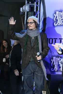 photo 458/527 - Johnny Depp - Ultimate Fan Event (25 fevrier 2010) - Alice au pays des Merveilles - © Walt Disney Studios Motion Pictures France