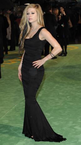 Avril Lavigne Avant-première royale à Londres (25 février 2010) photo 6 sur 7