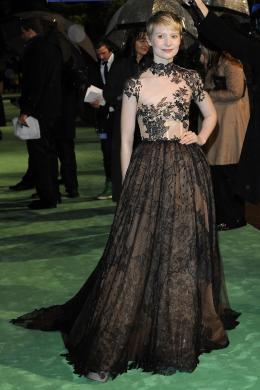 photo 254/527 - Mia Wasikowska - Avant-premi�re royale � Londres (25 f�vrier 2010) - Alice au pays des Merveilles - © Walt Disney Studios Motion Pictures France