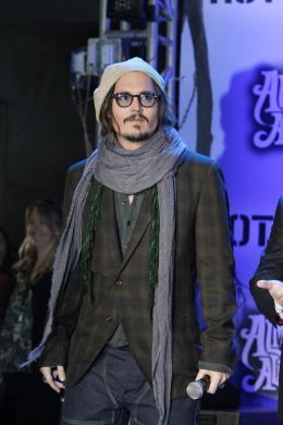 photo 446/527 - Johnny Depp - Ultimate Fan Event (25 fevrier 2010) - Alice au pays des Merveilles - © Walt Disney Studios Motion Pictures France