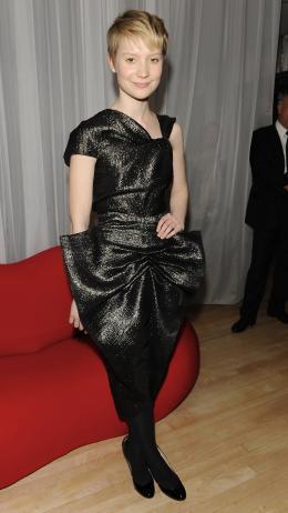 photo 169/527 - Mia Wasikowska - Avant-premi�re royale � Londres (25 f�vrier 2010) - Alice au pays des Merveilles - © Walt Disney Studios Motion Pictures France