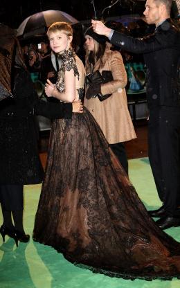photo 126/527 - Mia Wasikowska - Avant-premi�re royale � Londres (25 f�vrier 2010) - Alice au pays des Merveilles - © Walt Disney Studios Motion Pictures France
