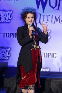 photo 453/527 - Helena Bonham Carter - Ultimate Fan Event (25 fevrier 2010) - Alice au pays des Merveilles - © Walt Disney Studios Motion Pictures France