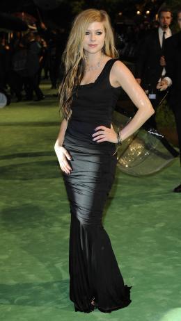Avril Lavigne Avant-première royale à Londres (25 février 2010) photo 5 sur 7