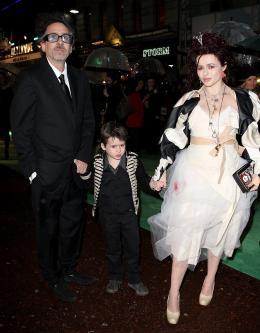 photo 119/527 - Tim Burton et Helena Boham Carter - Avant-premi�re royale � Londres (25 f�vrier 2010) - Alice au pays des Merveilles - © Walt Disney Studios Motion Pictures France