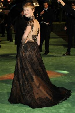 photo 252/527 - Mia Wasikowska - Avant-premi�re royale � Londres (25 f�vrier 2010) - Alice au pays des Merveilles - © Walt Disney Studios Motion Pictures France