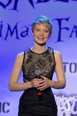 photo 436/527 - Mia Wasikowska - Ultimate Fan Event (25 fevrier 2010) - Alice au pays des Merveilles - © Walt Disney Studios Motion Pictures France