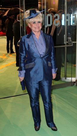 photo 117/527 - Barbara Windsor - Avant-premi�re royale � Londres (25 f�vrier 2010) - Alice au pays des Merveilles - © Walt Disney Studios Motion Pictures France
