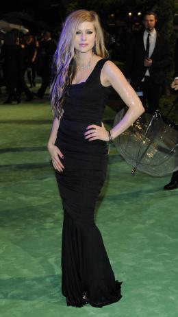Avril Lavigne Avant-première royale à Londres (25 février 2010) photo 4 sur 7
