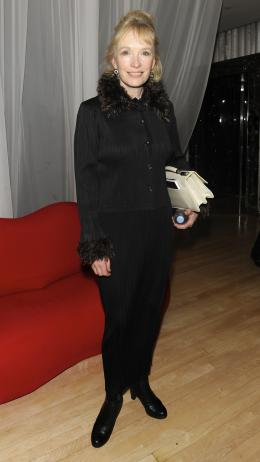 photo 199/527 - Lyndsay Duncan - Avant-premi�re royale � Londres (25 f�vrier 2010) - Alice au pays des Merveilles - © Walt Disney Studios Motion Pictures France