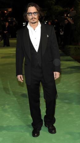 photo 216/527 - Johnny Depp - Avant-premi�re royale � Londres (25 f�vrier 2010) - Alice au pays des Merveilles - © Walt Disney Studios Motion Pictures France