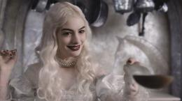 Alice au pays des Merveilles Anne Hathaway photo 1 sur 527