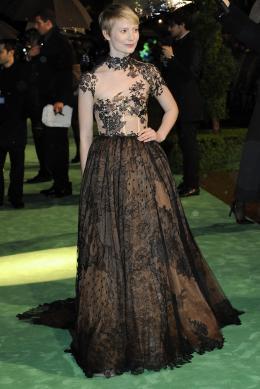 photo 268/527 - Mia Wasikowska - Avant-premi�re royale � Londres (25 f�vrier 2010) - Alice au pays des Merveilles - © Walt Disney Studios Motion Pictures France