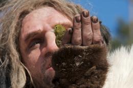 Simon Paul Sutton AO, le dernier Néandertal photo 5 sur 9