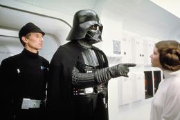 photo 14/21 - Dark Vador (David Prowse) et Carrie Fisher - Star Wars Episode 4 - Un Nouvel Espoir - © 20the Century Fox / Fox Path� Europa