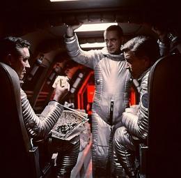 photo 34/47 - 2001, L'odyssée de l'espace - © Warner Bros