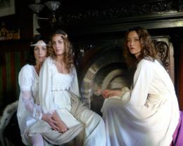 photo 2/13 - Elsa Zylberstein, Laure de Clermont-Tonnerre, Audrey Marnay - La Maison Nucingen - © Zelig Films distribution
