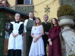 photo 4/13 - Thomas Durand, Laure de Clermont-Tonnerre, Laurent Malet, Audrey Marnay - La Maison Nucingen - © Zelig Films distribution
