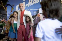 photo 406/409 - Charles Aznavour - Avant-Premi�re au Path� Plan de Campagne - L�-Haut - © Walt Disney Studios Motion Pictures France