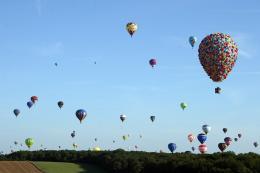 photo 396/409 - La Montgolfi�re de L�-Haut au Mondial Air Ballons - L�-Haut - © Walt Disney Studios Motion Pictures France