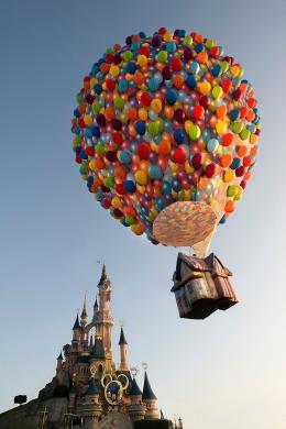 photo 360/409 - Ev�nement au Parc Disneyland Paris - L�-Haut - © Walt Disney Studios Motion Pictures France