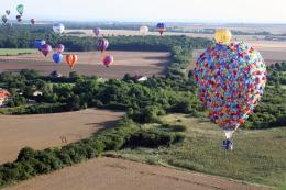 photo 391/409 - La Montgolfi�re de L�-Haut au Mondial Air Ballons - L�-Haut - © Walt Disney Studios Motion Pictures France