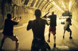 photo 11/13 - La cit� des hommes - © MK2