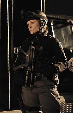 photo 46/49 - Jessica Steen - Saison 1 - Flashpoint - Saison 1 - © CBS