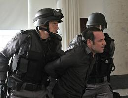 photo 14/49 - Sergio Di Zio - Saison 1 - Flashpoint - Saison 1 - © CBS