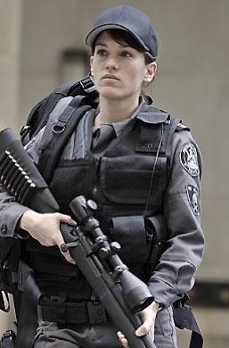 photo 48/49 - Amy Jo Johnson - Saison 1 - Flashpoint - Saison 1 - © CBS