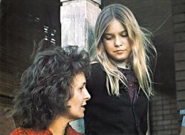 photo 11/12 - Joanne Woodward et Nell Potts - De l'influence des rayons gamma sur le comportement des marguerites - © Swashbuckler Films