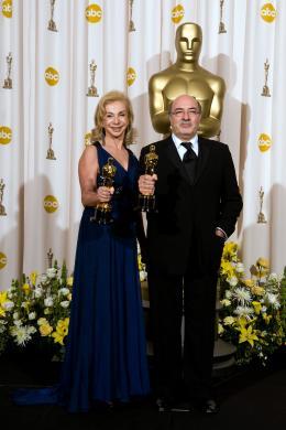 Sweeney Todd, le diabolique barbier de Fleet Street Francesca Lo Schiavo et  Dante Ferretti - Cérémonie des Oscars 2008, Photocall des lauréats photo 1 sur 82
