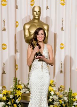 photo 382/460 - 80ème Cérémonie des Oscars 2008 - Marion Cotillard - © A.M.P.A.S.