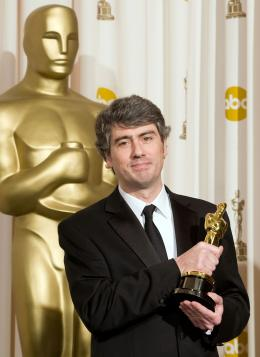 Reviens-moi Dario Marianelli - C�r�monie des Oscars 2008, Photocall des laur�ats photo 1 sur 63