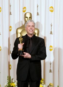 La Vengeance dans la Peau Christopher Rouse - Cérémonie des Oscars 2008, Photocall des lauréats photo 5 sur 133
